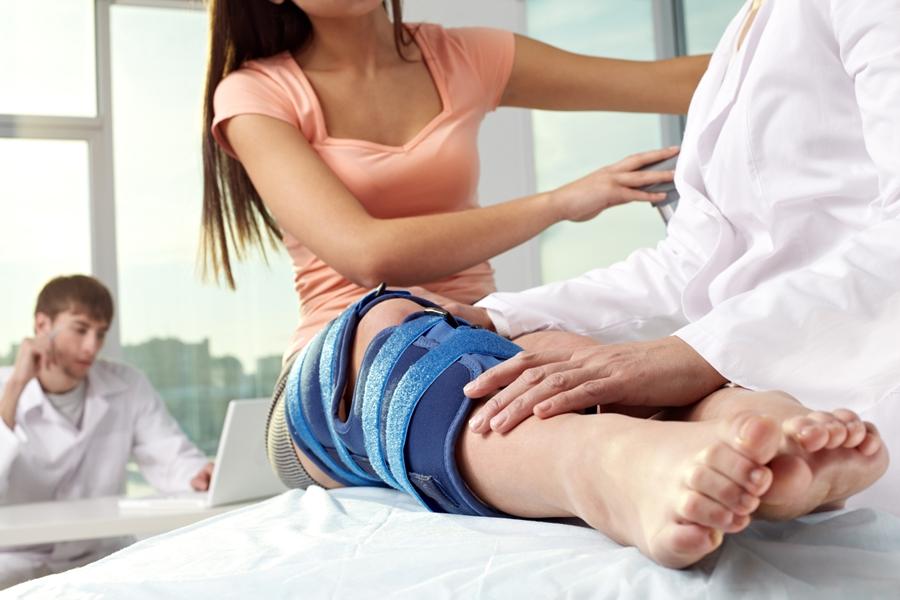 Реактивный синовит коленного сустава лечение