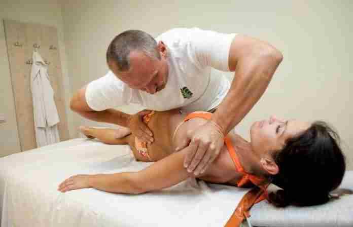процедура у мануального терапевта
