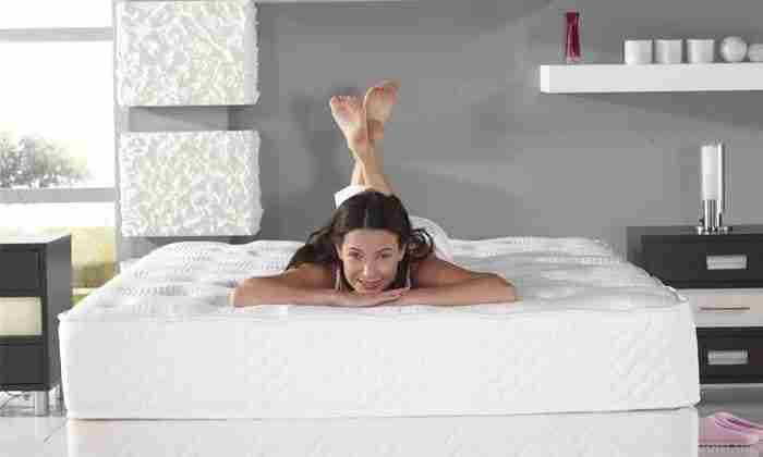 Насколько матрас комфортный можно определить, если полежать на нем 10 - 15 минут в разных позах